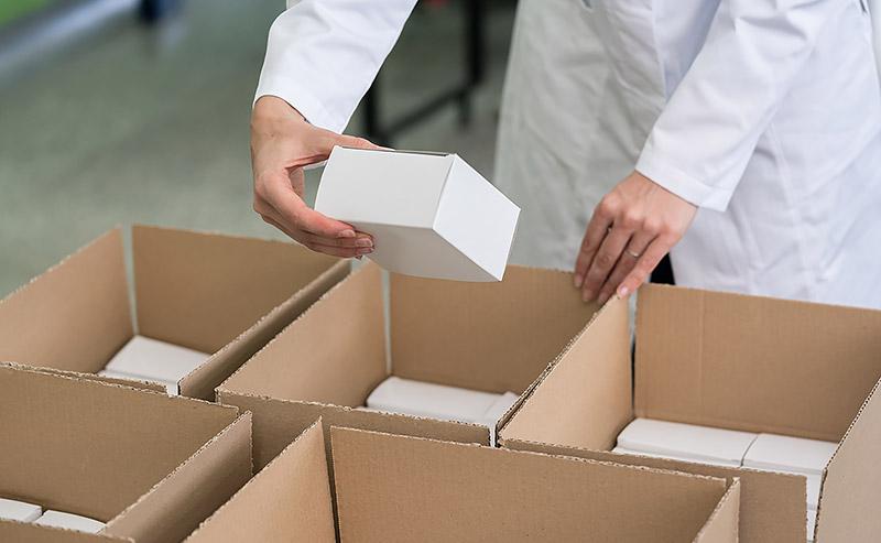 Lohnverpackung Sachets, Standbodenbeutel, Zupfdosen, Flowpacks, Sprühflaschen